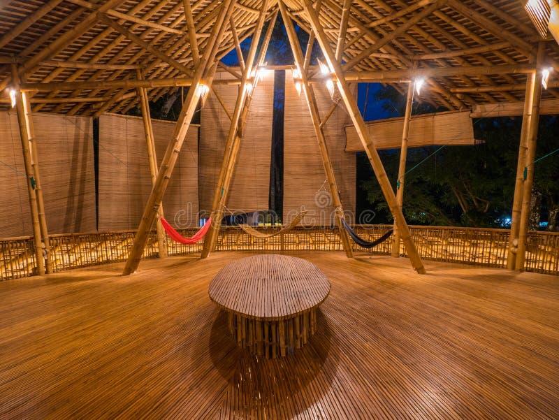 Ristorante di Kapal Bambu in Ecolodge Bukit Lawang, Indonesia fotografie stock