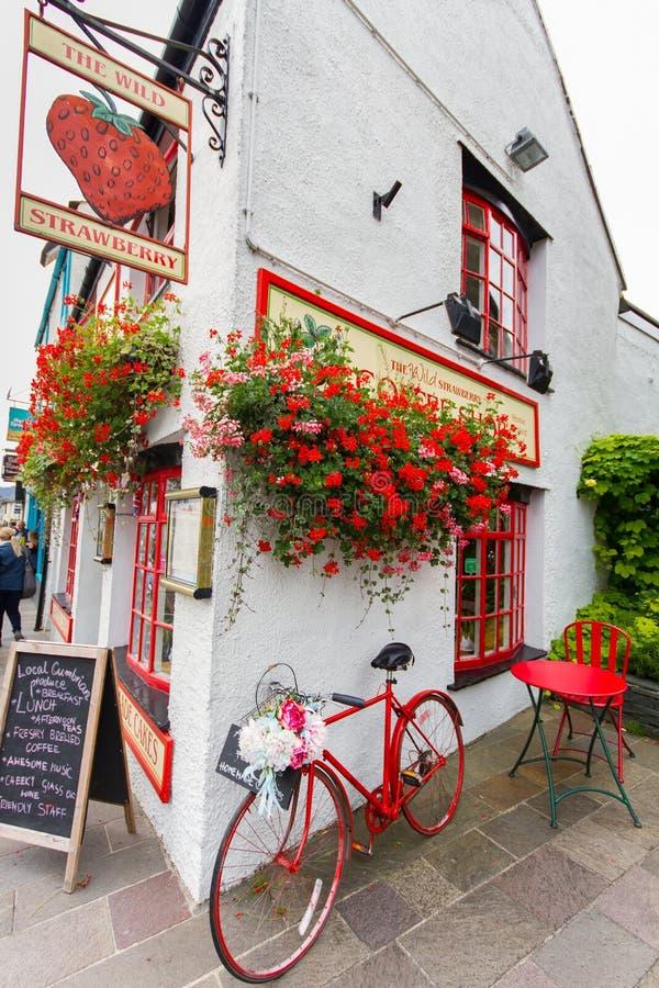 Ristorante nella città pittoresca del distretto del lago di Keswick, Regno Unito immagine stock libera da diritti
