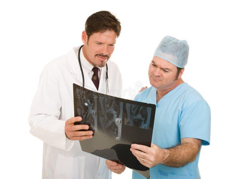 Risultati dei dottori Review MRI immagini stock
