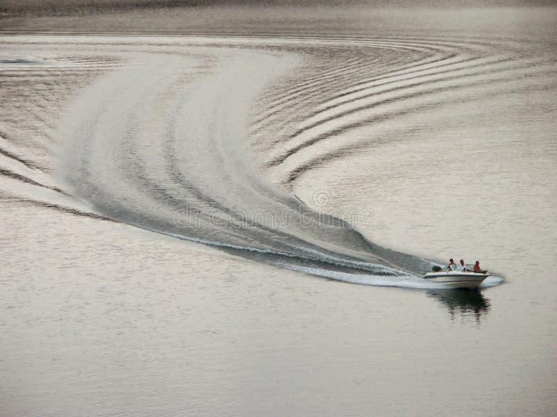 Risveglio della barca fotografie stock libere da diritti