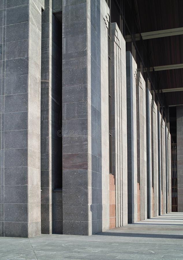 Ritmo de líneas arquitectónicas. fotos de archivo