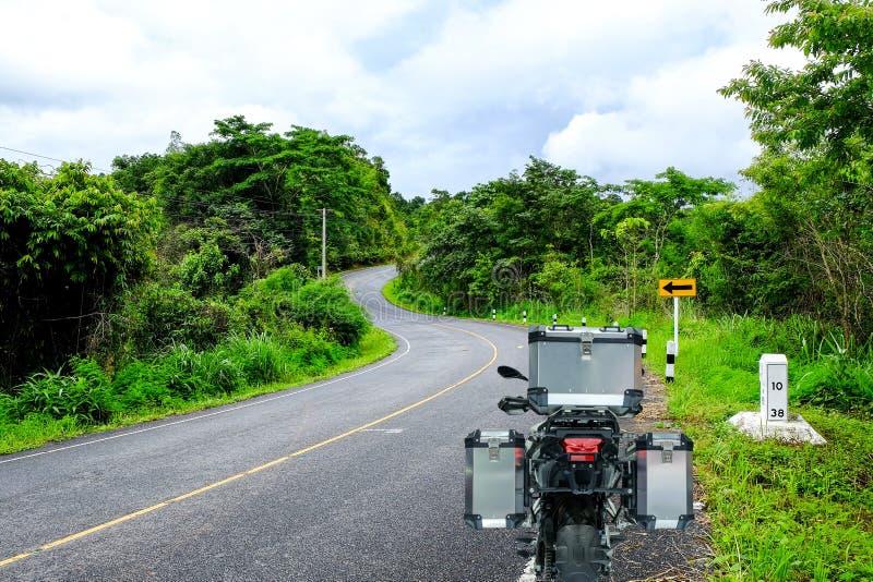 Ritorno della motocicletta da turismo su strada immagine stock