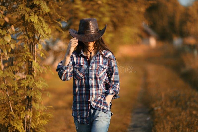 Ritratto americano di una giovane donna fotografia stock