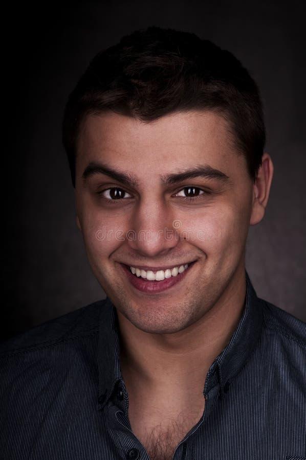 Ritratto casuale dell'uomo - sorridendo fotografia stock libera da diritti