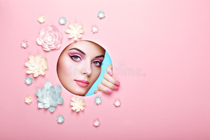 Ritratto concettuale di bellezza di bella giovane donna immagini stock libere da diritti
