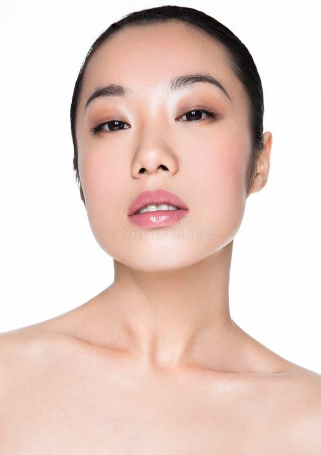 Ritratto cosmetico sano di trucco della donna asiatica di bellezza fotografia stock