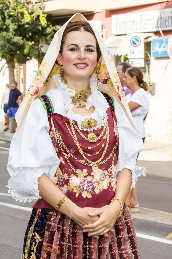 Ritratto in costume sardo tradizionale immagine stock