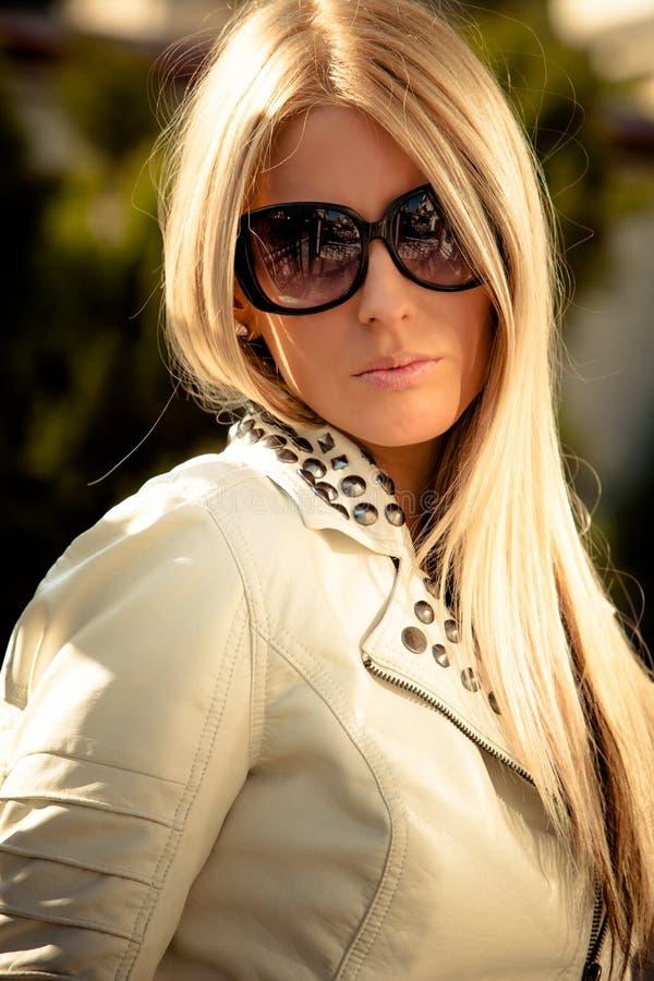Ritratto degli occhiali da sole fotografie stock libere da diritti