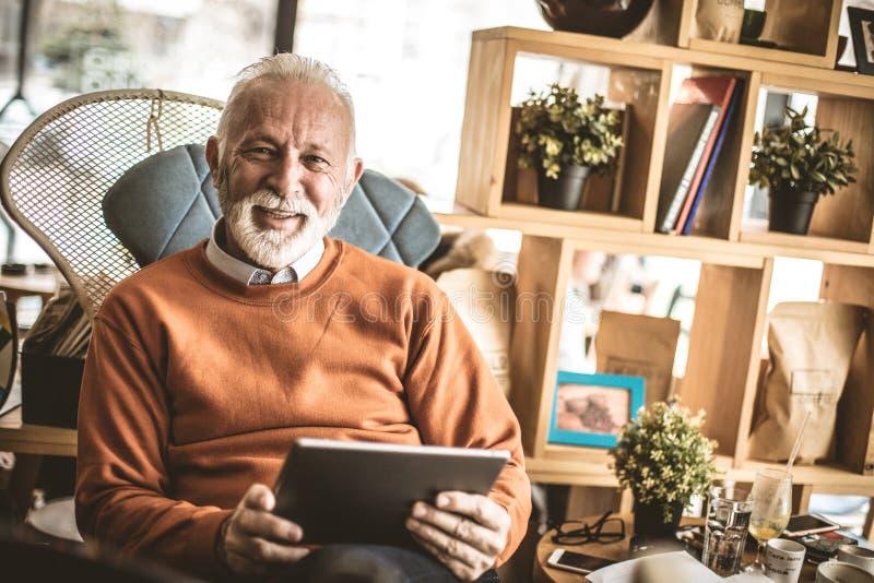 Ritratto degli uomini d'affari senior Felice e soddisfatto fotografie stock libere da diritti