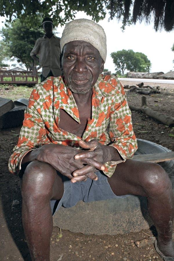 Ritratto degli uomini del Ghana anziani in camicia variopinta immagine stock