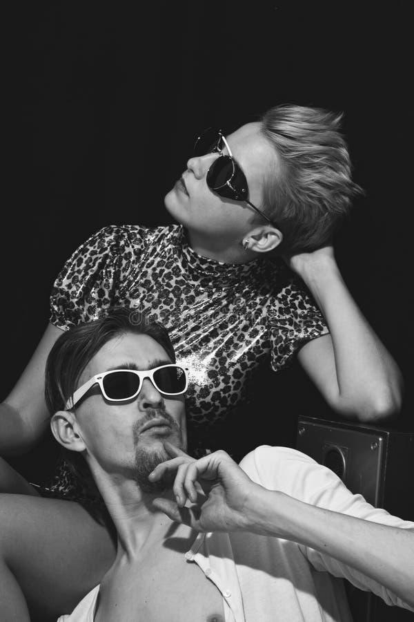 Ritratto degli uomini e delle donne alla moda fotografia stock libera da diritti