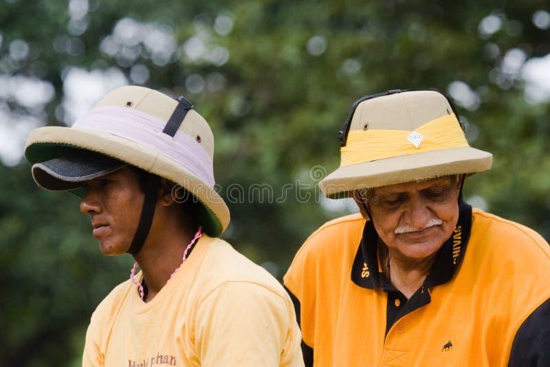 Ritratto dei giocatori durante il polo degli elefanti, Nepal di polo degli elefanti fotografie stock