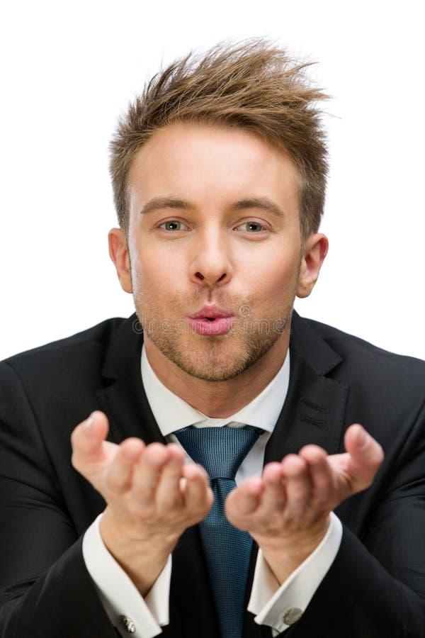 Ritratto del bacio di salto del responsabile fotografia stock libera da diritti