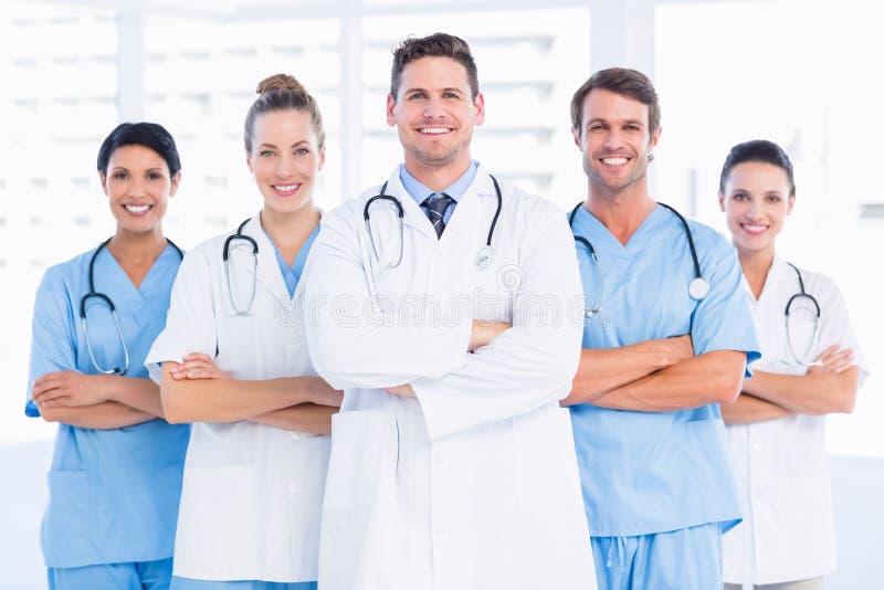 Ritratto del gruppo felice sicuro di medici fotografia stock libera da diritti