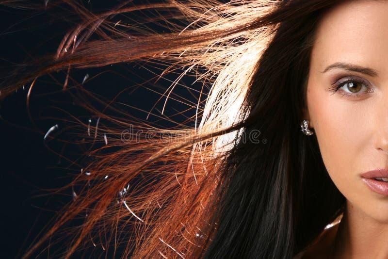 Ritratto del primo piano del fronte mezzo della bella donna fotografia stock libera da diritti