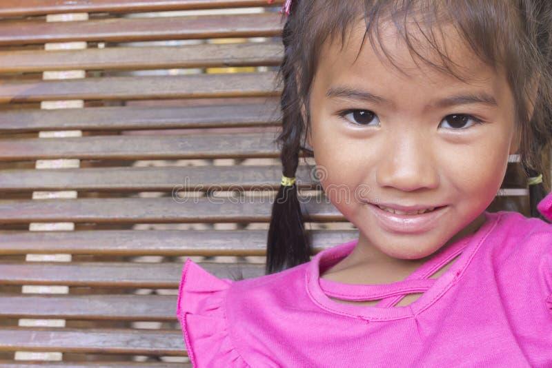 Ritratto del primo piano della bambina asiatica fotografie stock