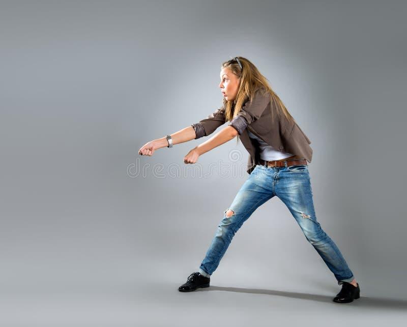 Ritratto del primo piano di giovane donna felice di affari fotografia stock libera da diritti