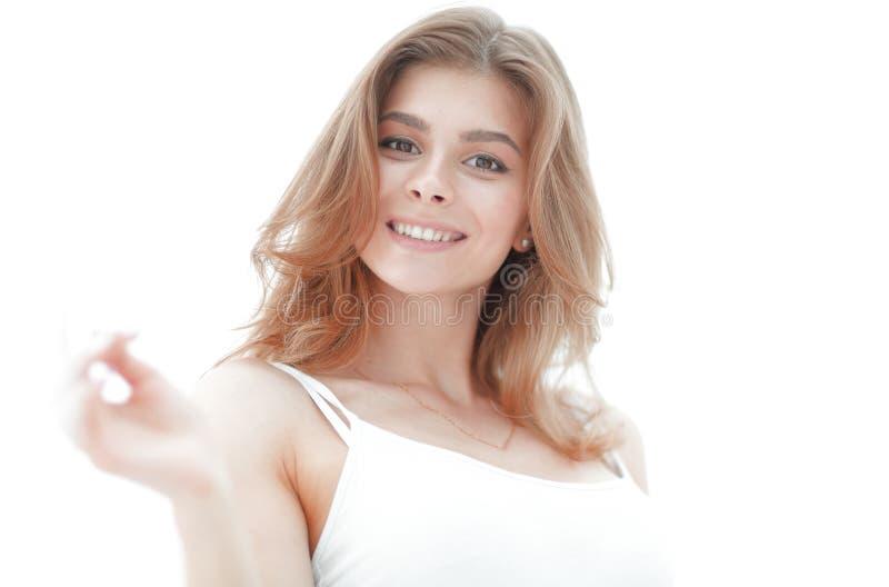 Ritratto del primo piano di un fronte del ` s della giovane donna con trucco leggero fotografie stock libere da diritti