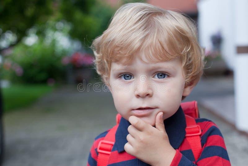 Ritratto del ragazzo adorabile del bambino fotografia stock
