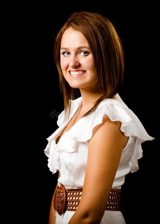 Ritratto dell'adolescente felice abbastanza sorridente immagini stock