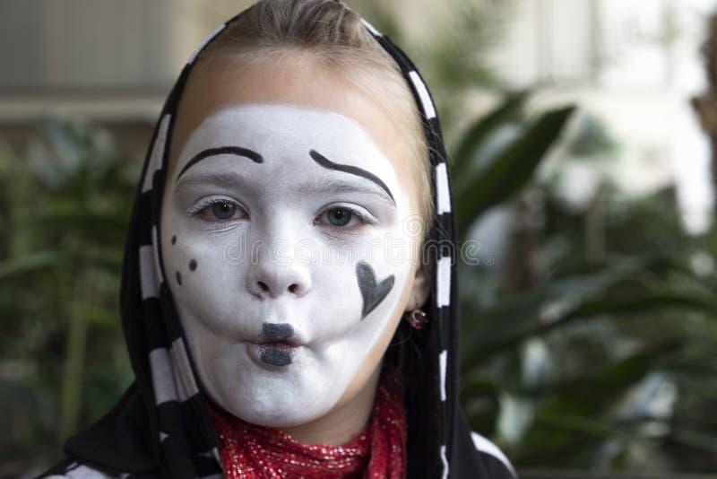 Ritratto dell'attore del mimo della ragazza fotografia stock libera da diritti