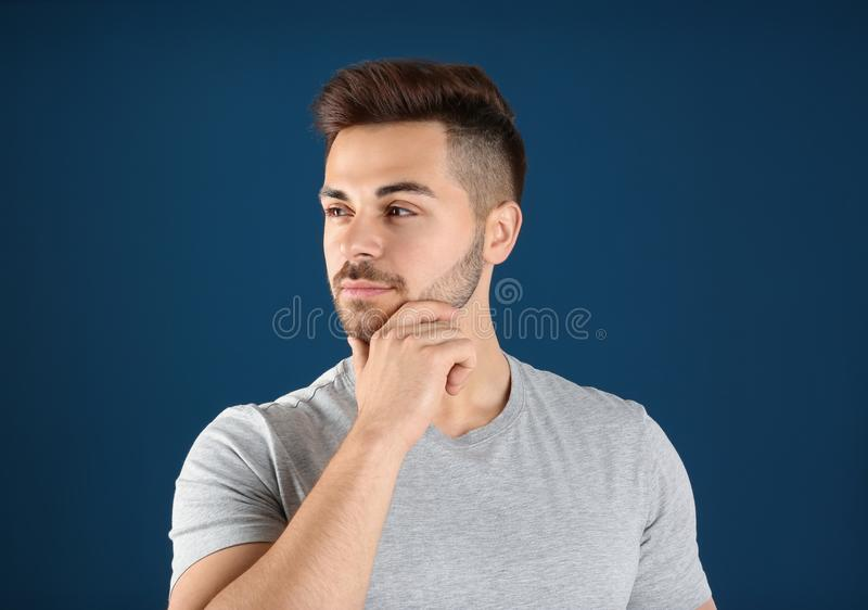 Ritratto dell'uomo bello fotografia stock
