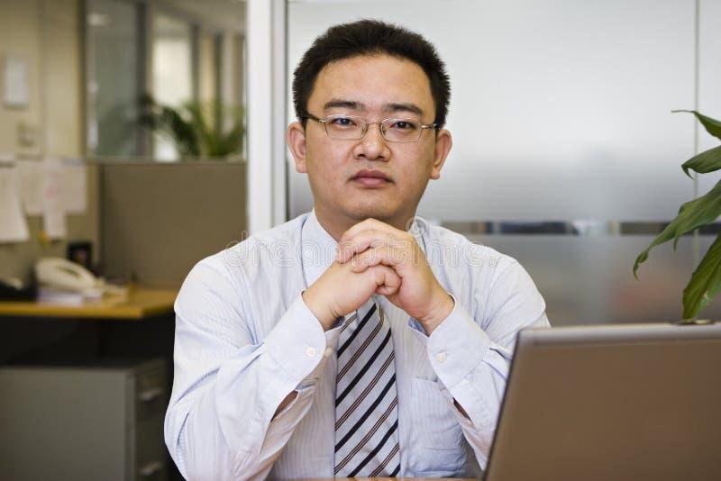 Ritratto dell'uomo d'affari asiatico immagine stock