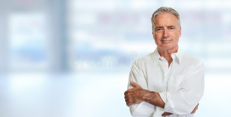 Ritratto dell'uomo maggiore fotografia stock