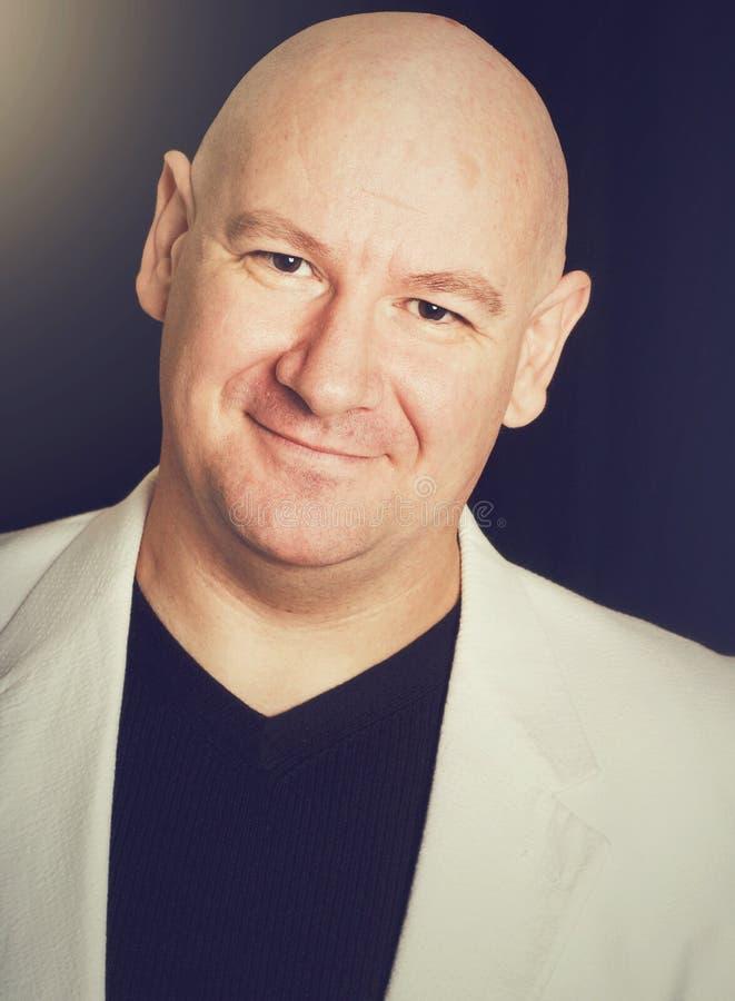 Ritratto dell'uomo sorridente fotografie stock
