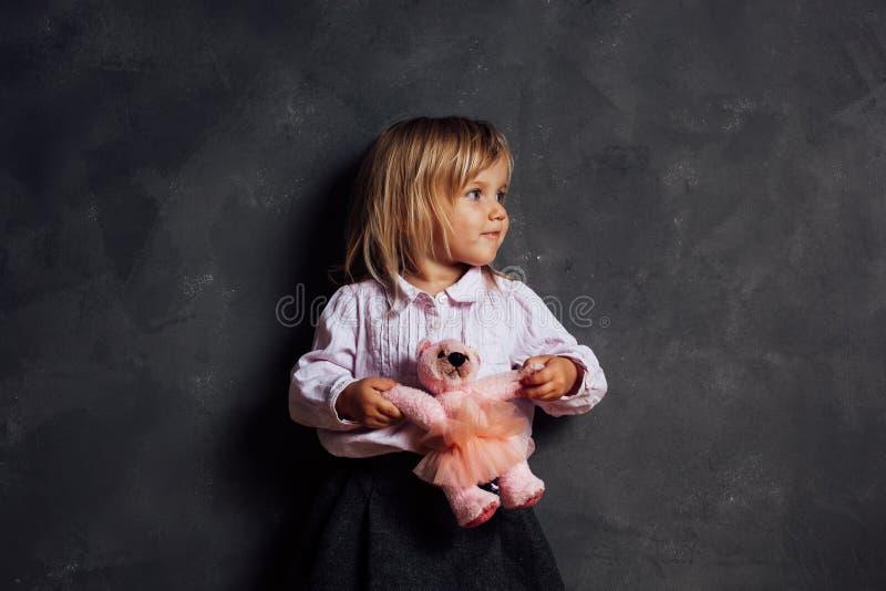 Ritratto della bambina impressionabile immagine stock libera da diritti