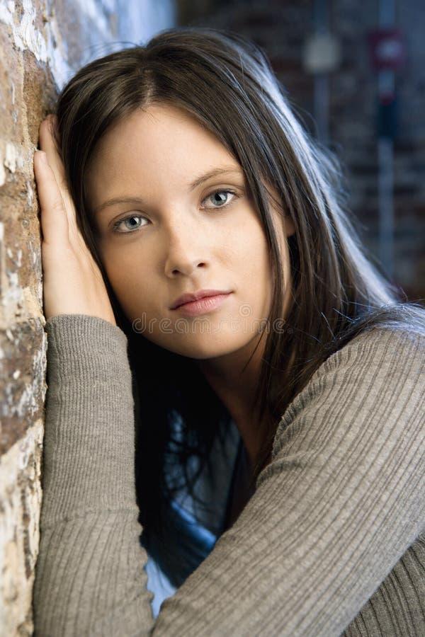 Ritratto della donna abbastanza giovane fotografie stock libere da diritti