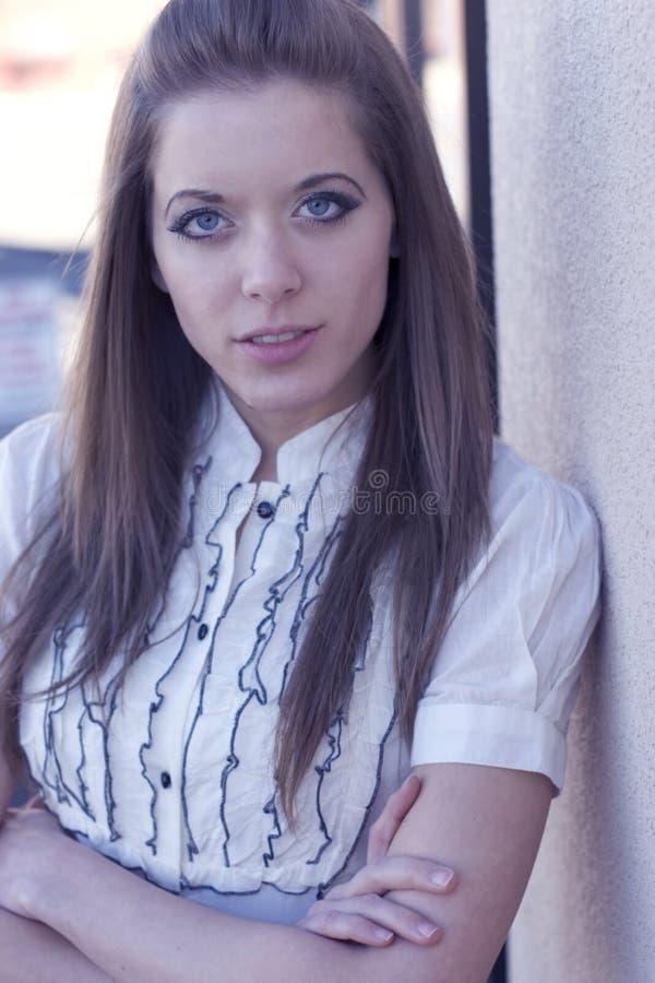 ritratto della donna all'aperto fotografia stock
