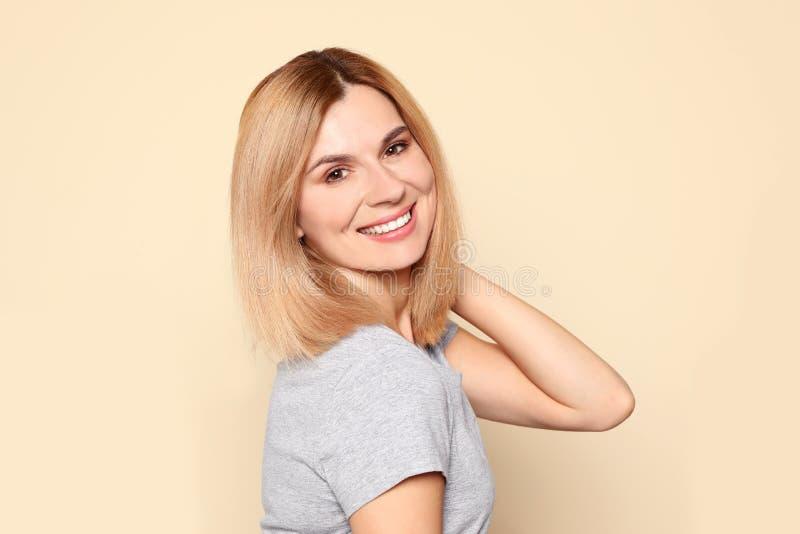 Ritratto della donna con il bello fronte immagini stock libere da diritti