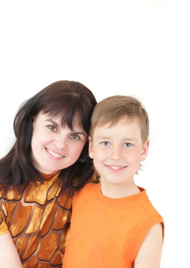 Ritratto della donna con il ragazzo fotografie stock