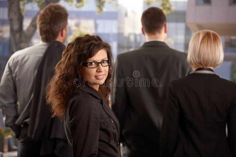 Ritratto della donna di affari esterno fotografia stock libera da diritti