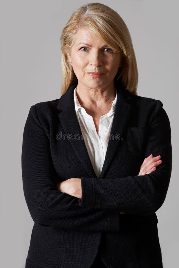 Ritratto della donna di affari matura fotografia stock libera da diritti