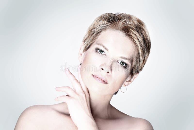 Ritratto della donna di bellezza di modo fotografia stock libera da diritti