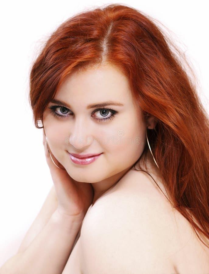 Ritratto della donna rossa timida dei capelli immagine stock