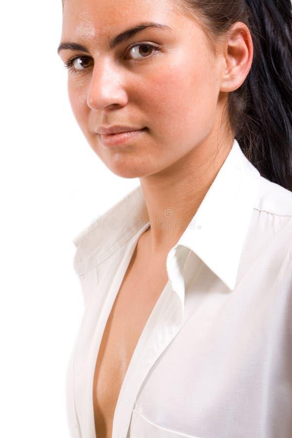 Ritratto della donna sexy in camicia bianca immagini stock
