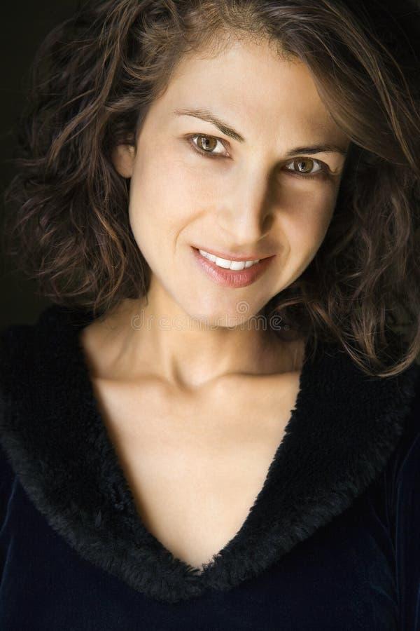 Ritratto della donna sorridente. fotografie stock libere da diritti