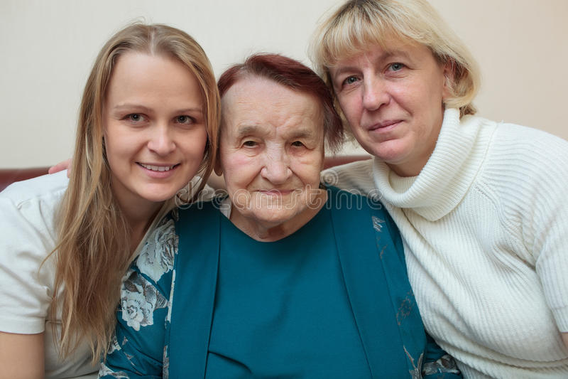 Ritratto della famiglia con la madre, figlia e fotografia stock libera da diritti