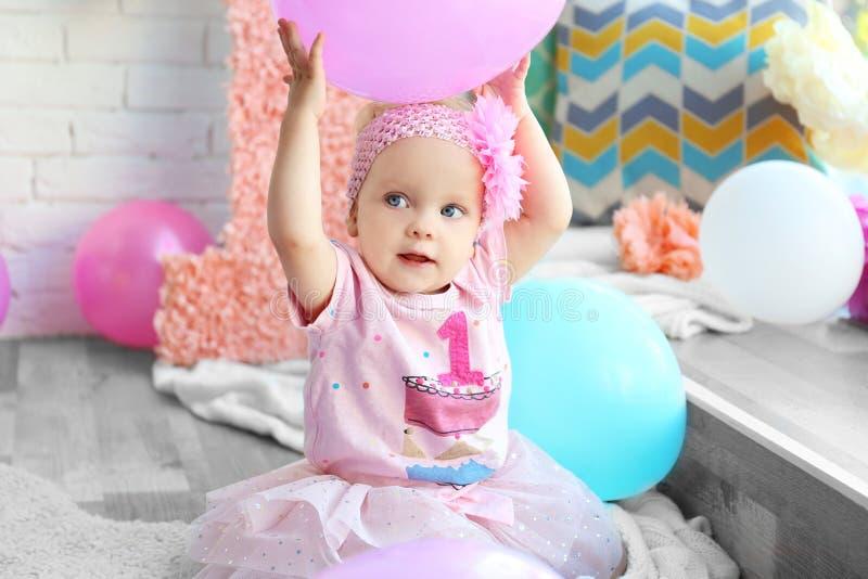 Ritratto della neonata di un anno fotografie stock libere da diritti