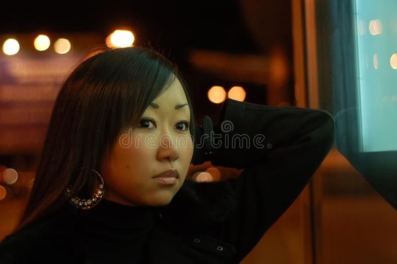Ritratto della ragazza abbastanza asiatica fotografia stock libera da diritti
