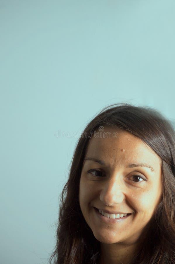 Ritratto della ragazza con capelli lunghi fotografia stock libera da diritti
