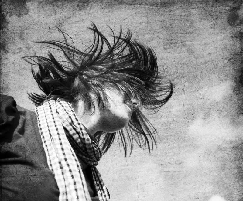 Ritratto della ragazza con il iroquois fotografie stock