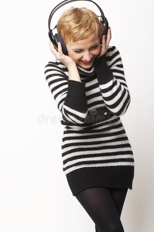 Download Ritratto Della Ragazza Con Le Cuffie Immagine Stock - Immagine di piacere, ascolti: 3888107
