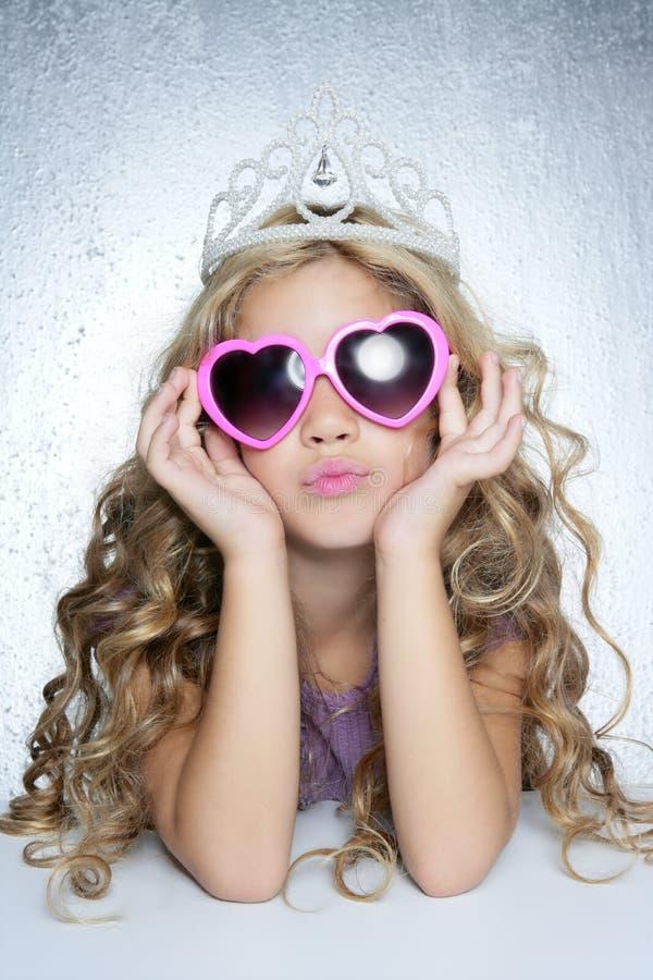 Ritratto della ragazza della principessa della vittima di modo piccolo fotografie stock