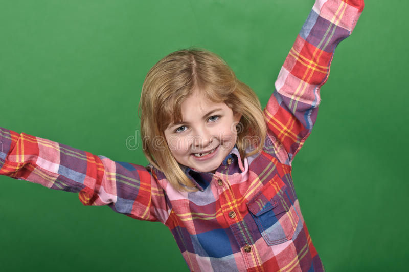 Ritratto della ragazza su uno schermo verde immagini stock libere da diritti