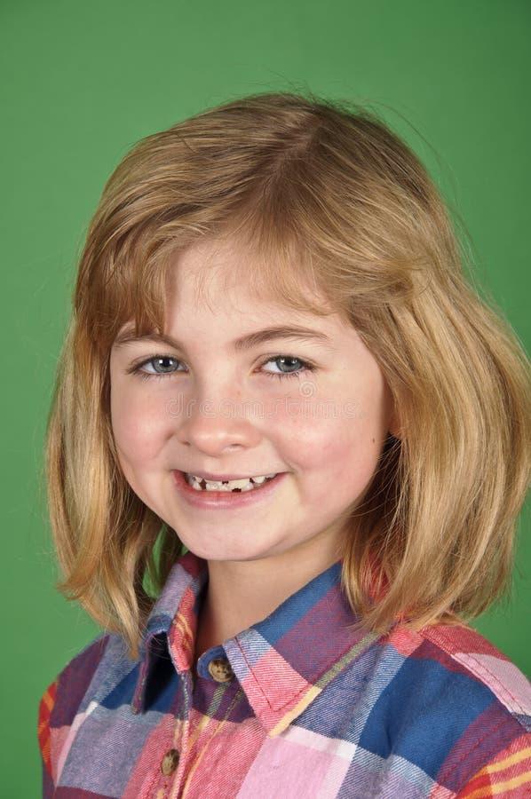Ritratto della ragazza su uno schermo verde immagini stock
