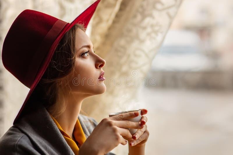 Ritratto della ragazza vaga fotografia stock